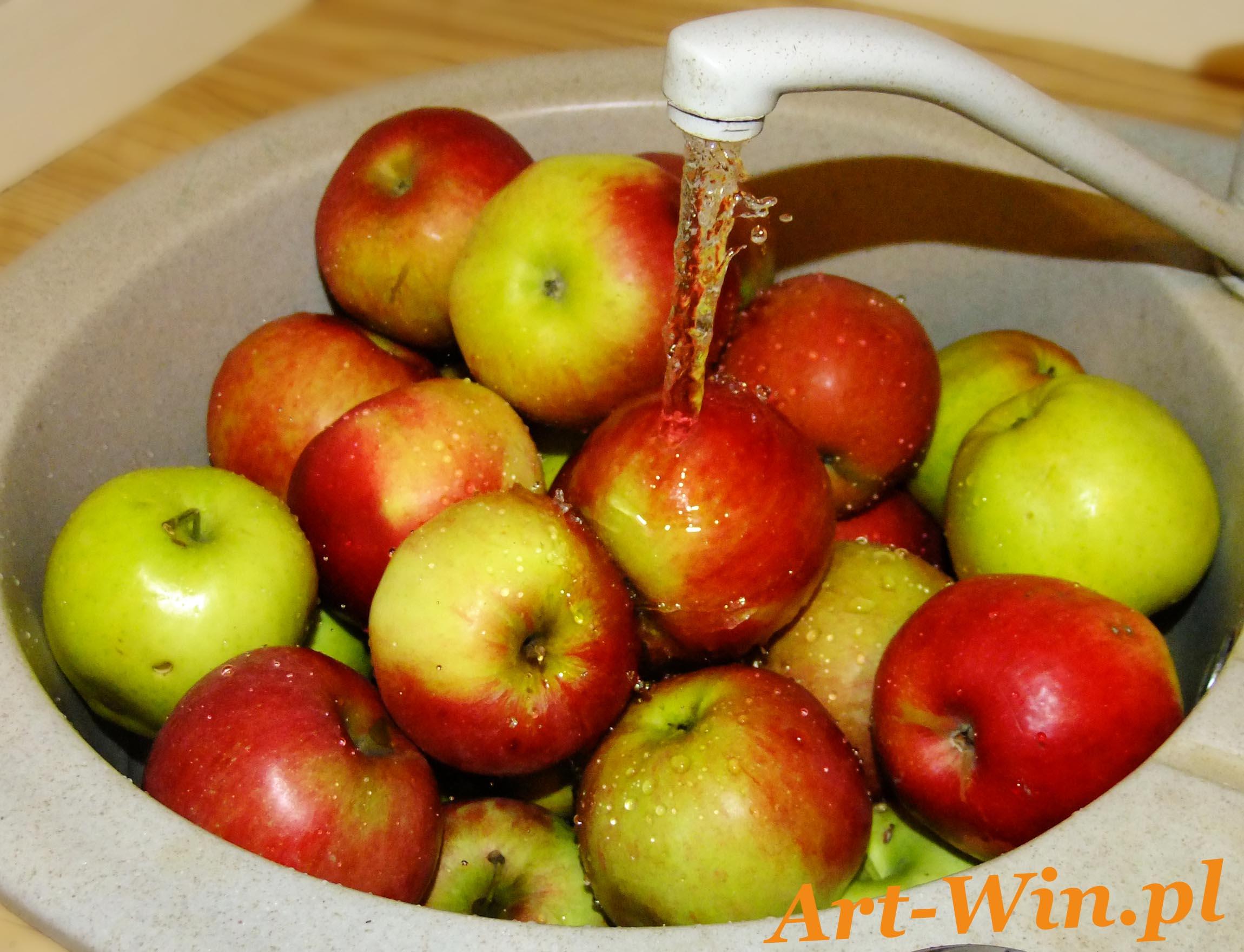 Mycie jabłek